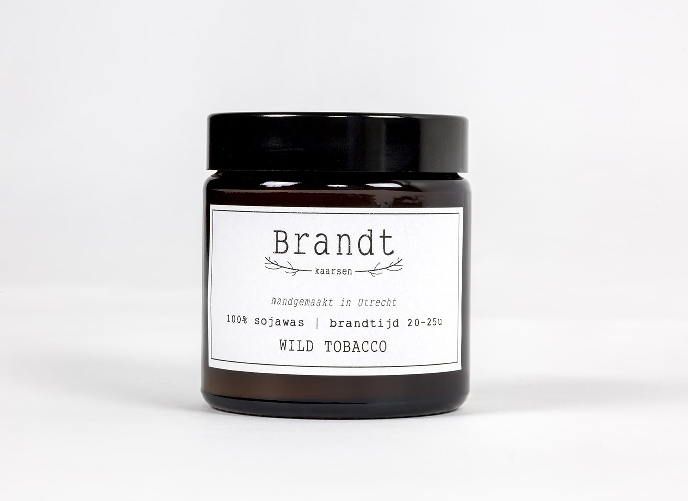 Apothecary candle by Brandt - wild tobacco